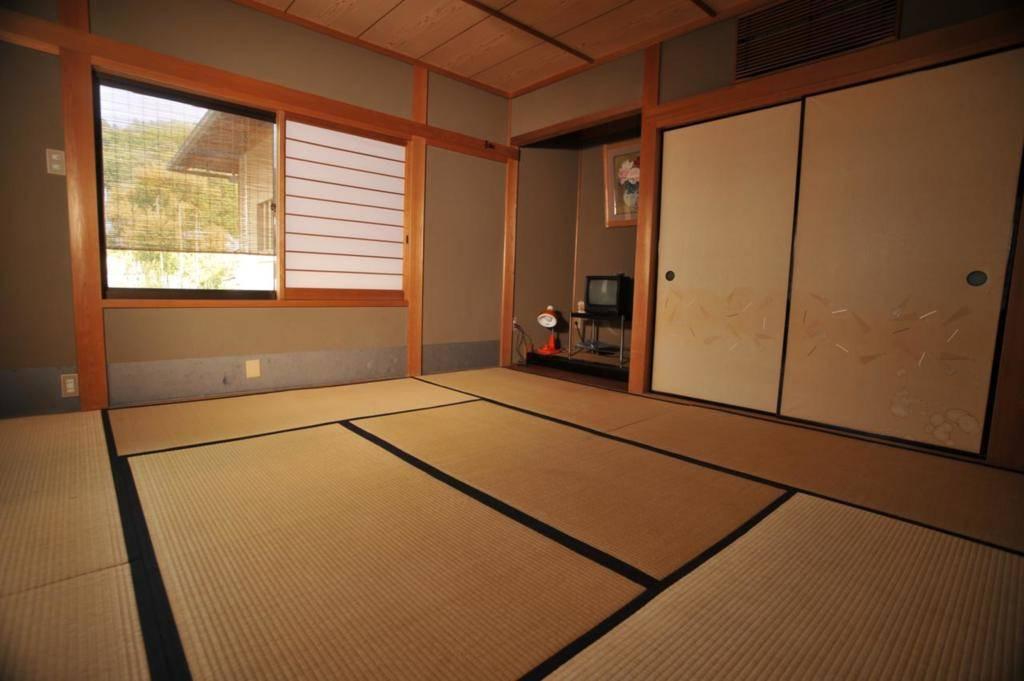 山崎旅馆 japanese style with shared bathroom