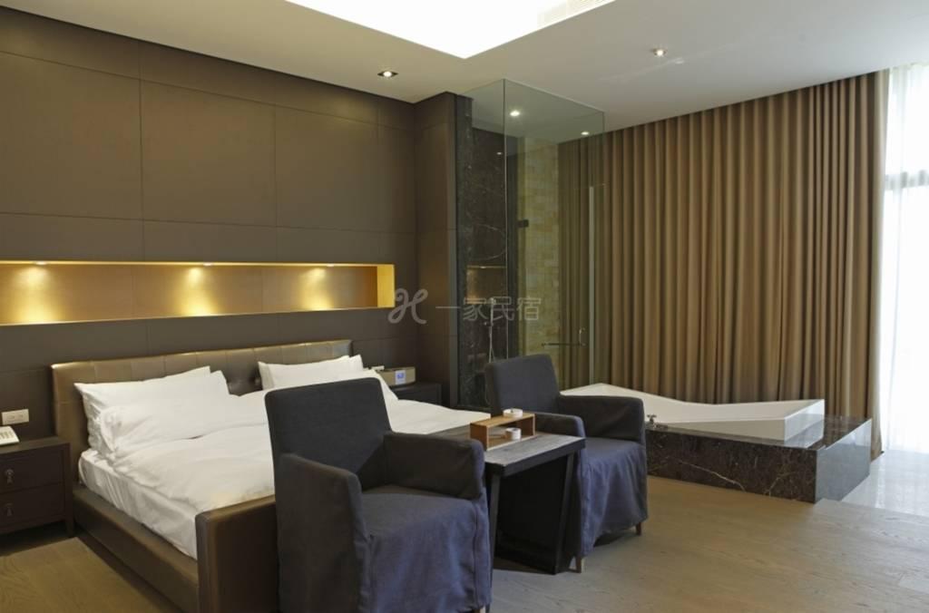 台湾嘉义 泰勒瓦庄园会馆民宿  现代极简风格 大床房