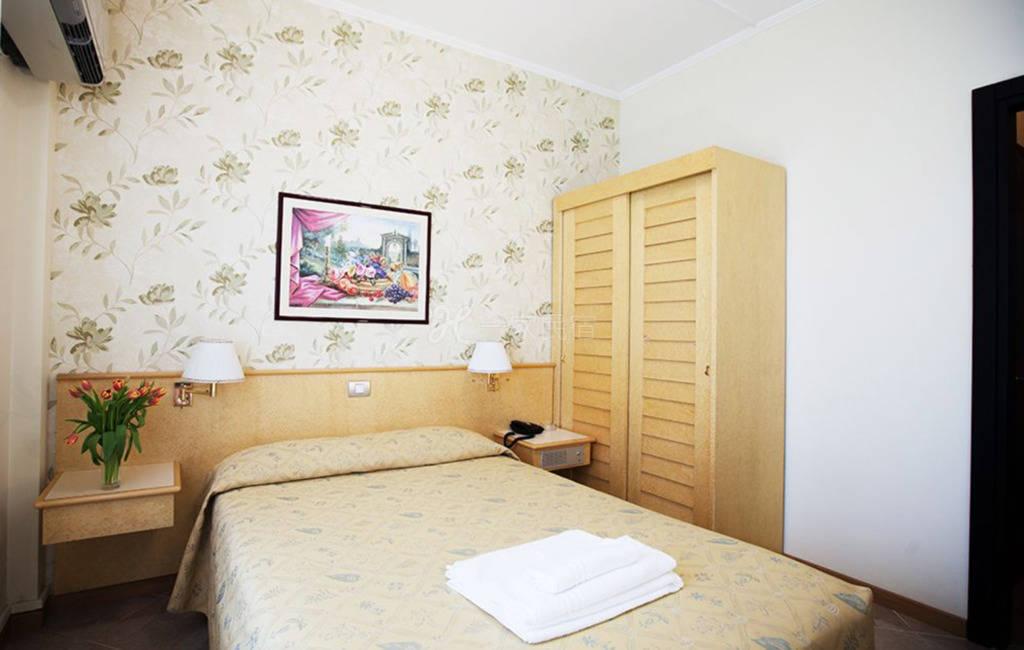 米兰大运河区 Hotel Dei Fiori酒店 大床房#1