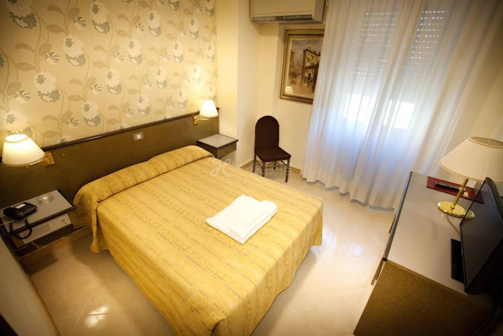 米兰大运河区 Hotel Dei Fiori酒店 大床房#4