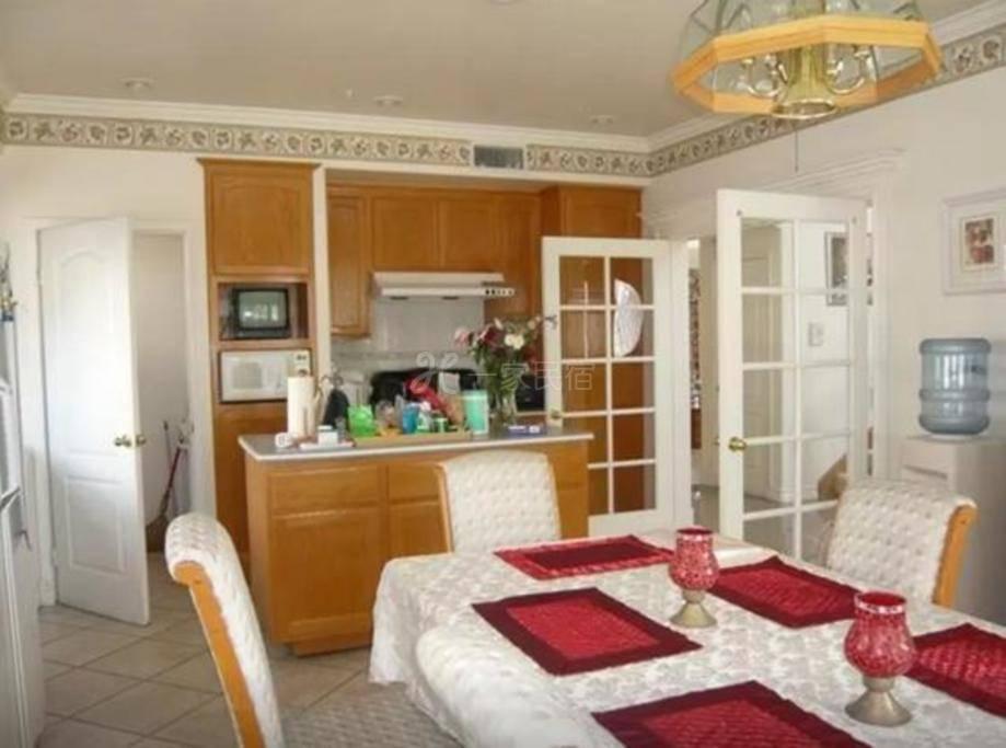 洛杉矶圣盖博市独栋别墅分租一间房间
