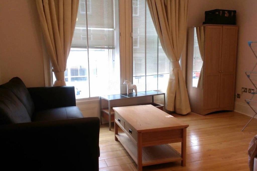 乐在伦敦台湾人民宿 2馆 - 大双人房