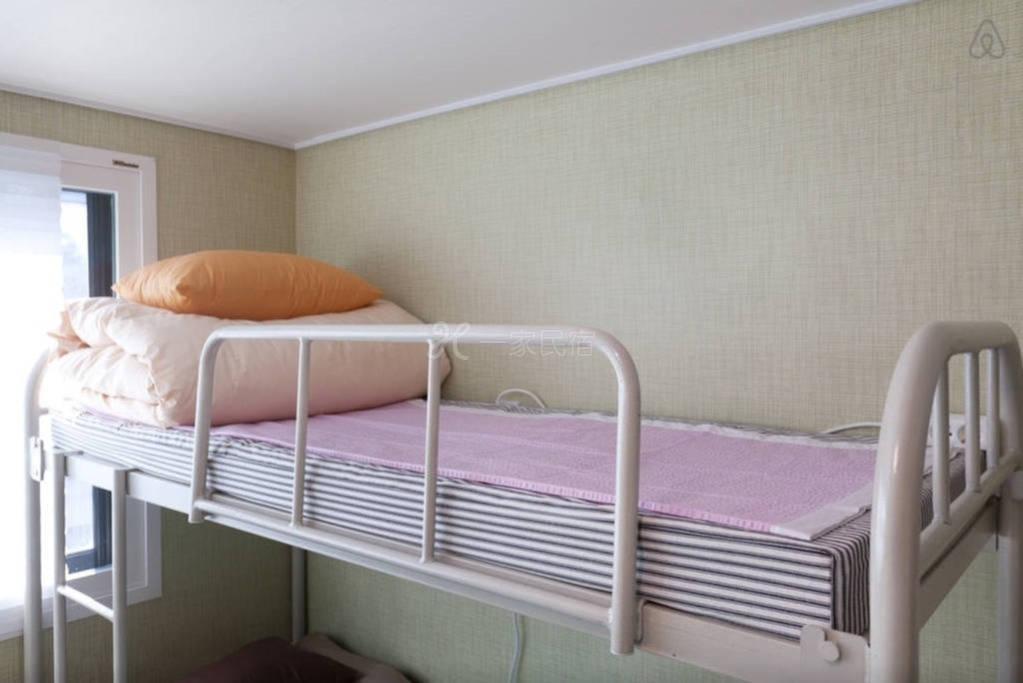 韩国首尔合住房间  4号床上铺
