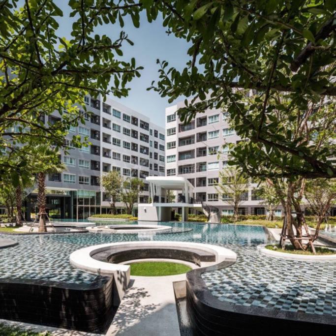 素坤逸路64巷舒适工作室 靠近BTS 711 免费高速网络 70米大型泳池 健身房 台球室 阅览室