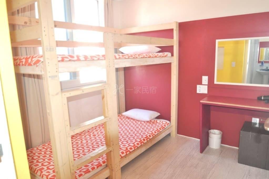 双层床2人房间 02
