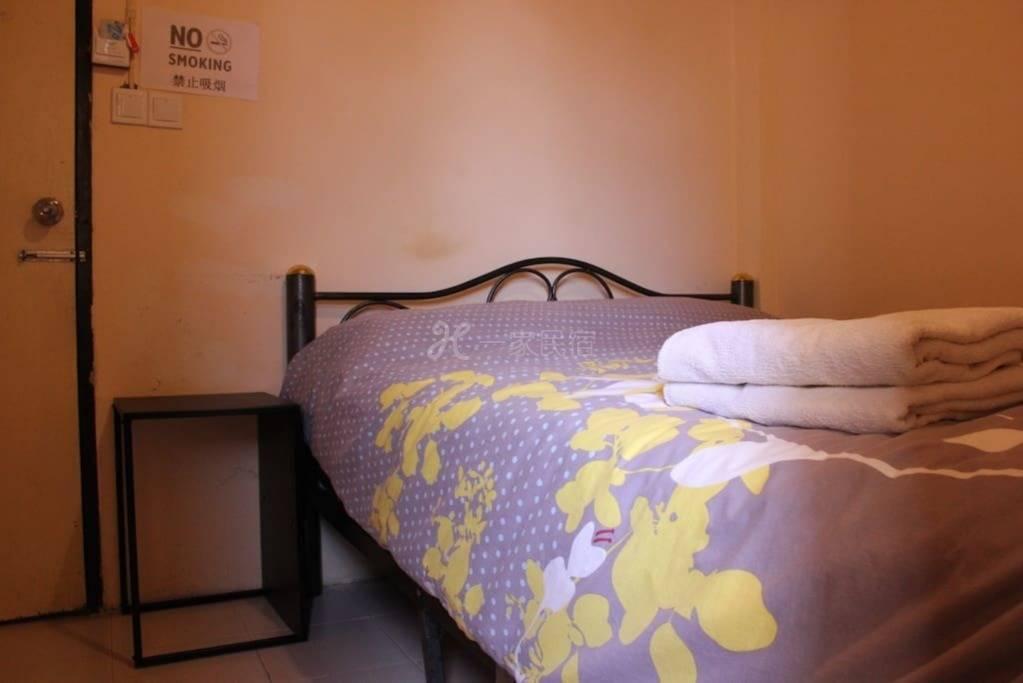 曼谷eco家 经济 实惠 曼谷市中心 小巷内 独立卫生间 小房 大床房