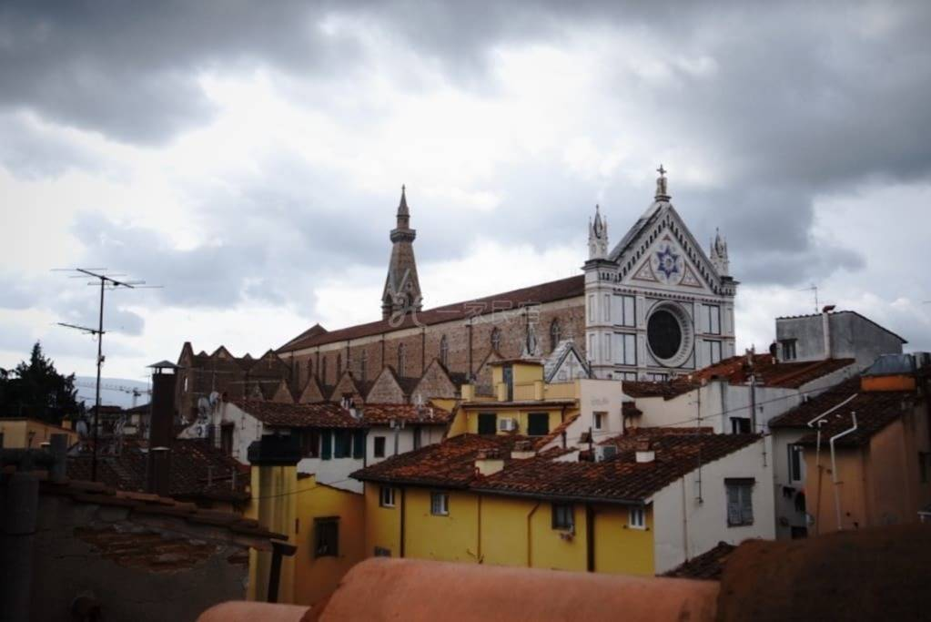 佛罗伦萨历史中心区域的阳光充沛的家庭友好型住处(公共阁楼区域)