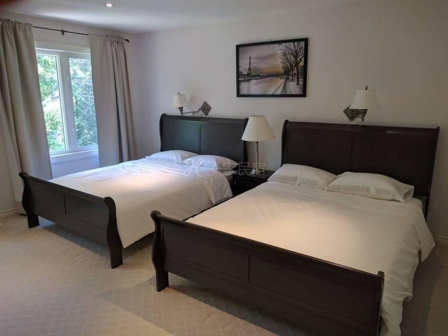 豪华套房,两张大床,套内卫生间,近地铁