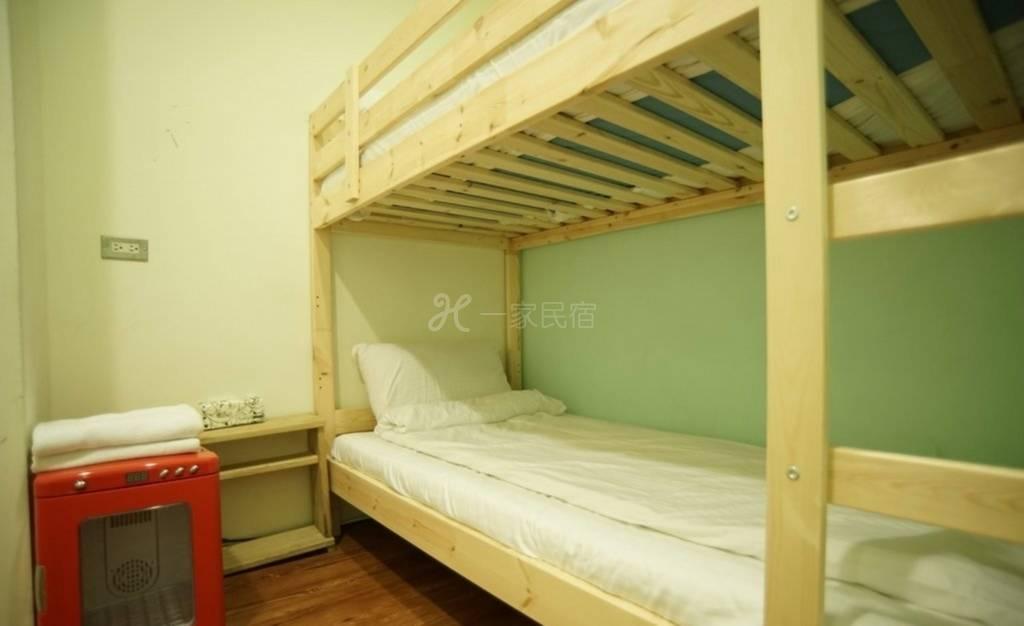 台北西门町DB House 秘密基地 双床套房~含早餐