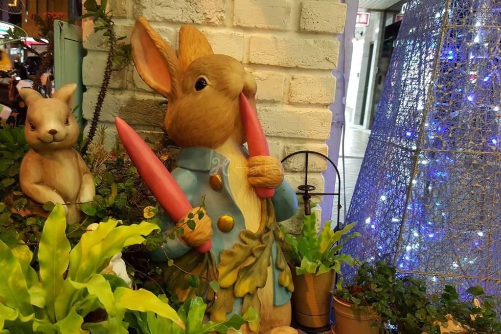 彼得兔的家-双人精致雅房(一张双人床;共用卫浴)A1