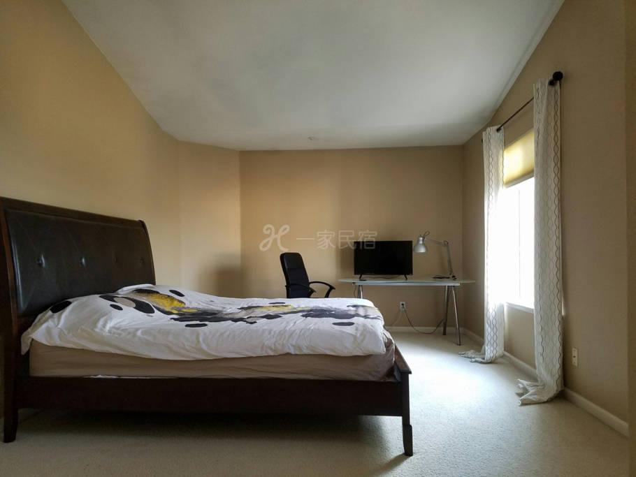豪华、温馨、超大主人房、高尚社区。内设豪华浴室、衣帽间。room M#
