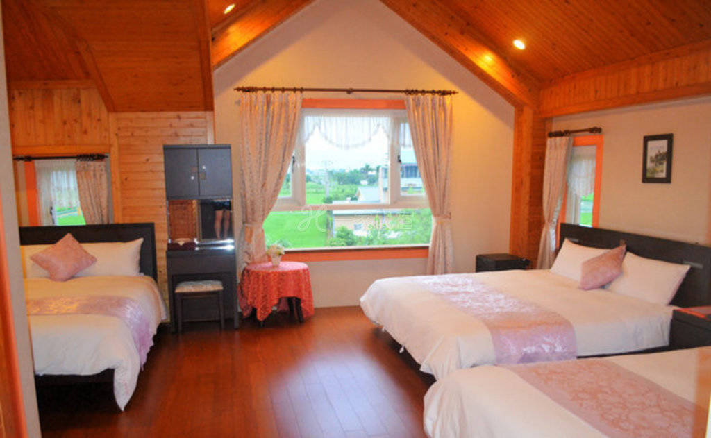 宜兰--花樯渡假别墅 303紫罗兰六人套房