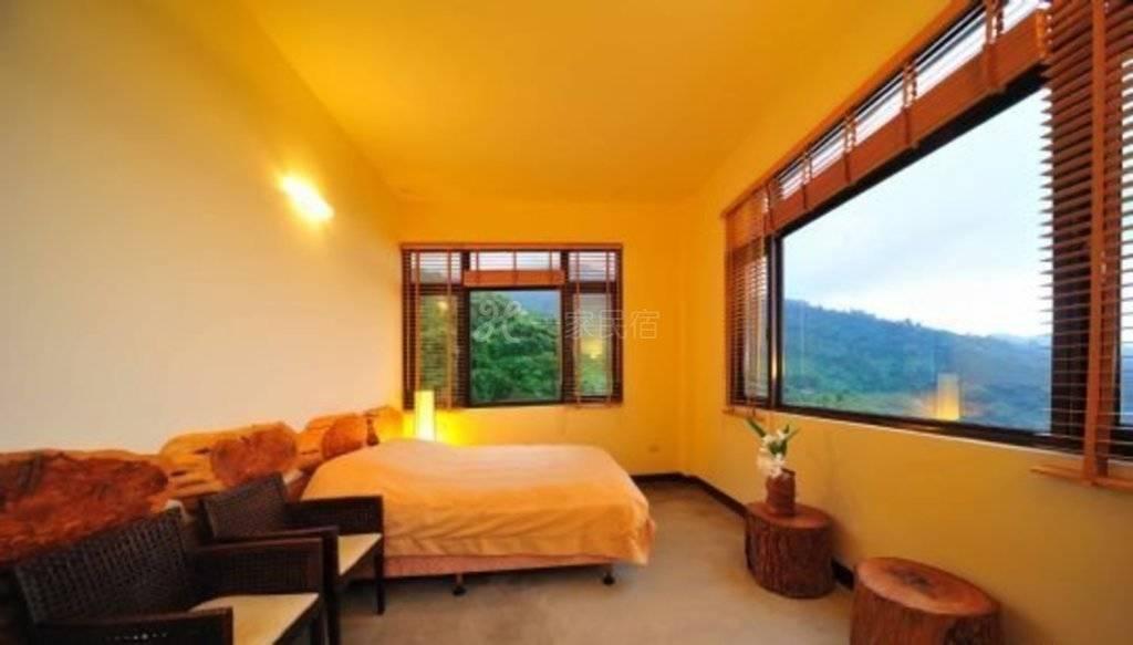 苗栗--马拉邦山枫叶地图民宿 观景双人套房2(含早、晚餐)