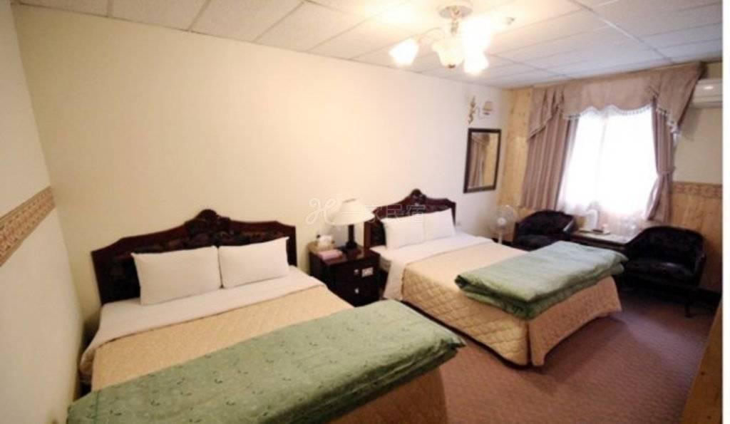 清境--小境家温泉旅店 精致四人房