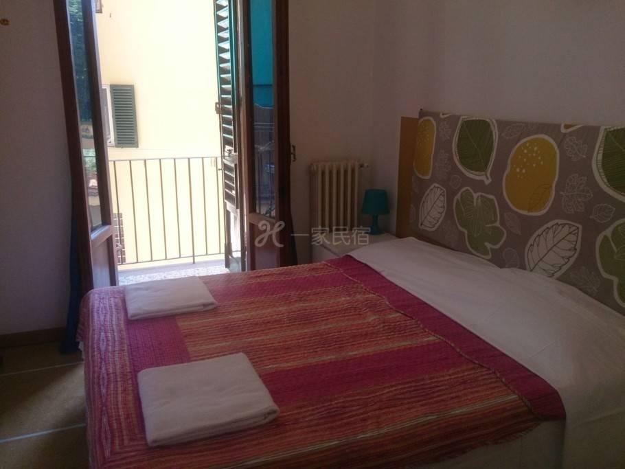 佛罗伦萨开心家庭旅馆单人间(公用卫生间)