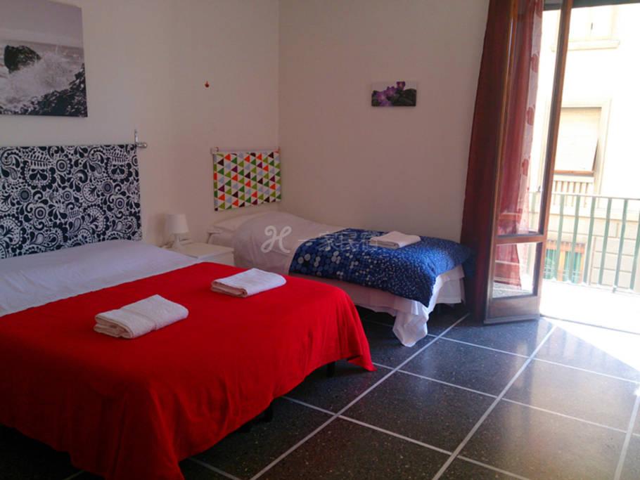佛罗伦萨开心家庭旅馆三人间(公用卫生间)