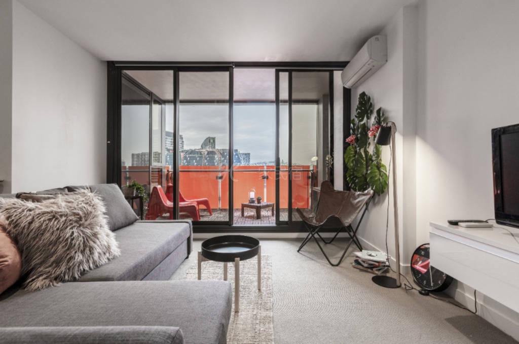 简约奢华市中心公寓  带健身房和游泳池