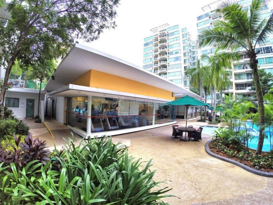 新加坡机场附近、地铁出口高级公寓大主人房