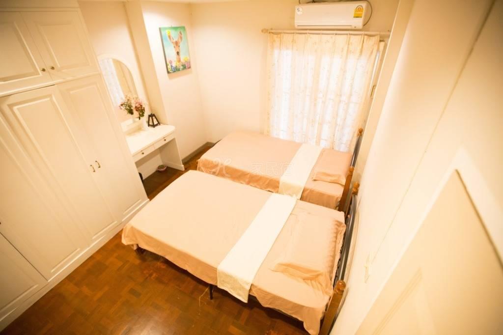 清迈晒时间度假民宿清迈大学暖暖双床房
