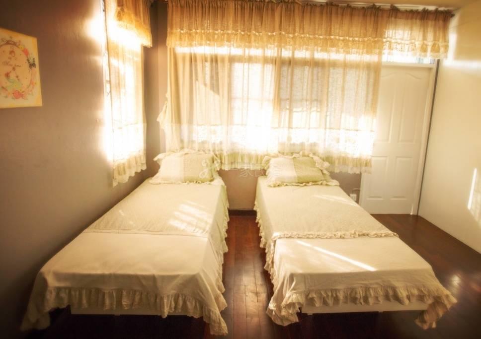 清迈晒时间度假民宿清迈大学温暖双床房