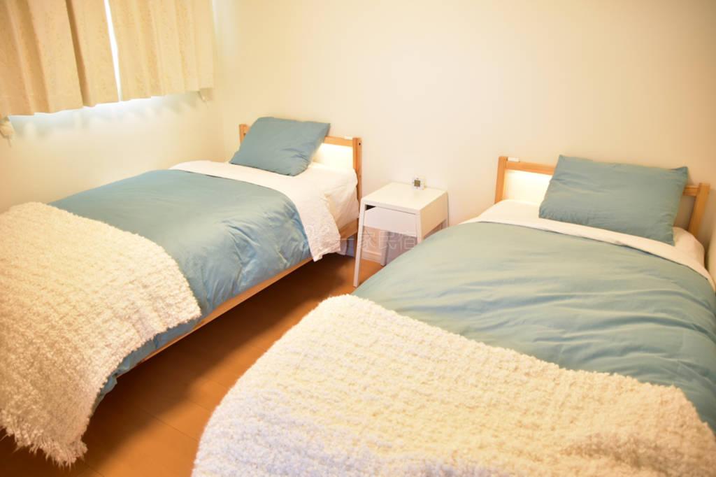 札幌高级别墅(两张单人床+沙发床)
