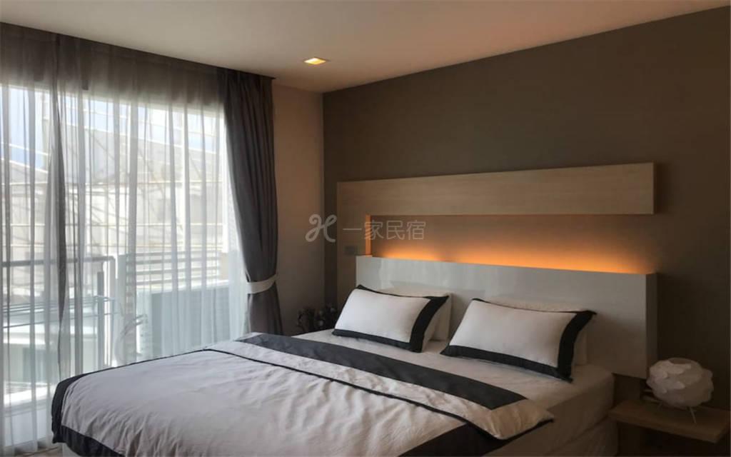 曼谷市中心BTS旁豪华一居公寓01