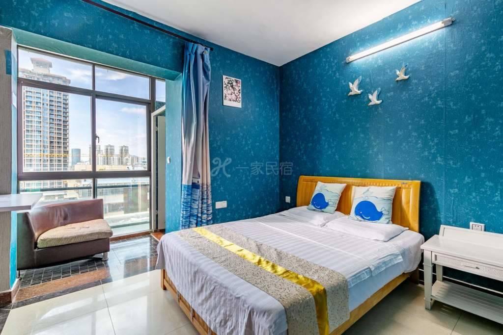 三亚湾海月广场温馨大床房