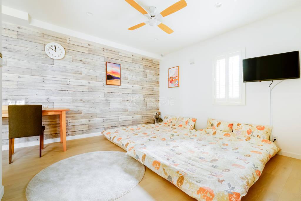 全新夏威夷风格公寓 202号室 免费停车位 机场电车直达,电车7分钟车程抵达难波、心斋桥。