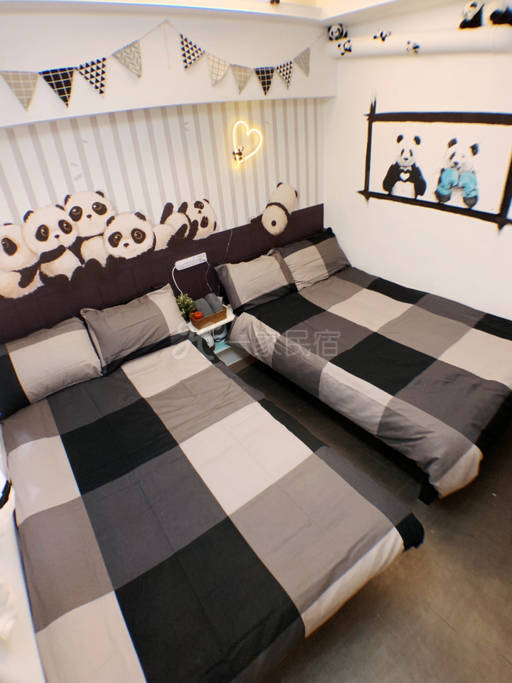 熊猫主题双床房