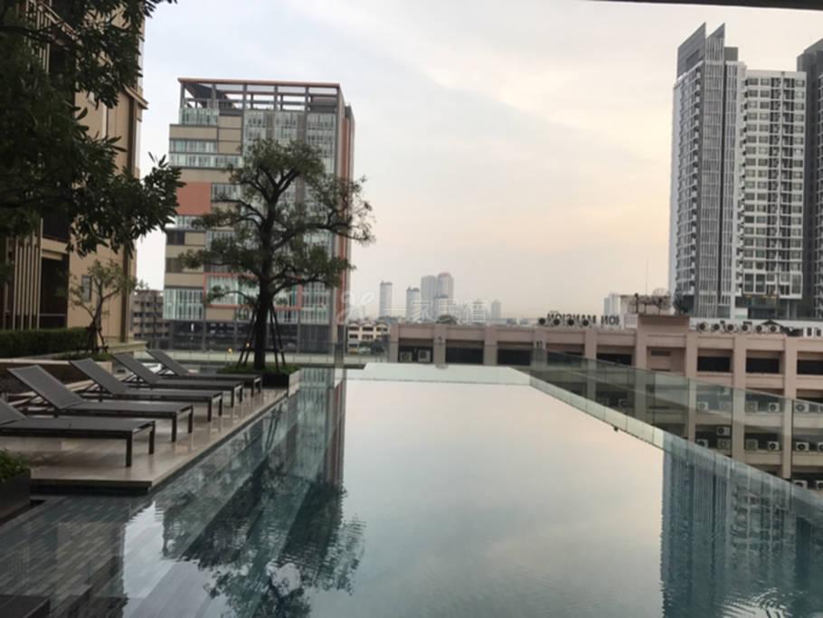 泰国曼谷民宿一房一厅 全新公寓交通方便