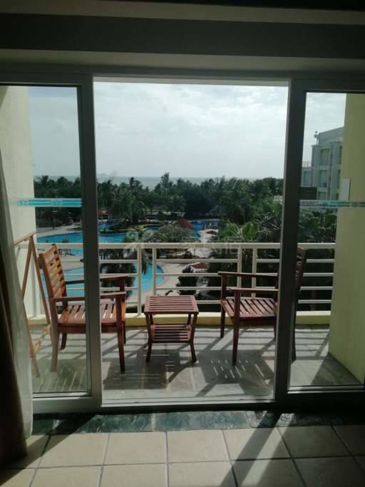 三亚湾椰梦长廊海景房免费温泉泳池双床房