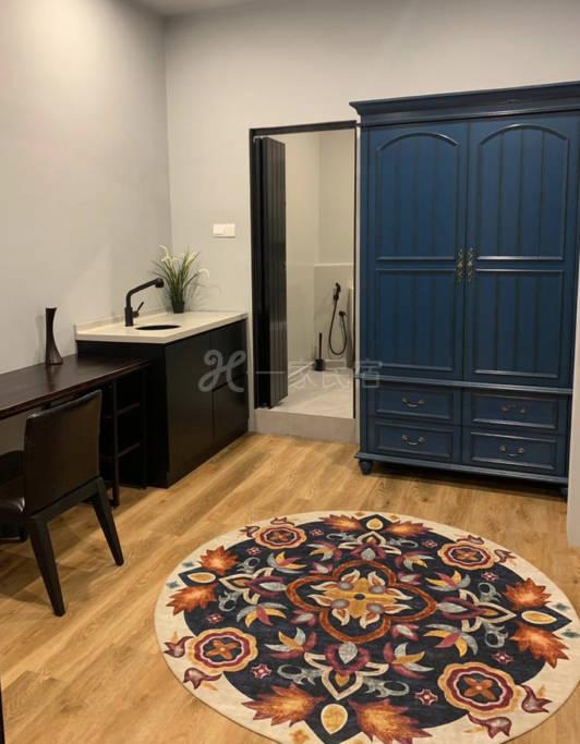全新装修市中心别墅排屋房间