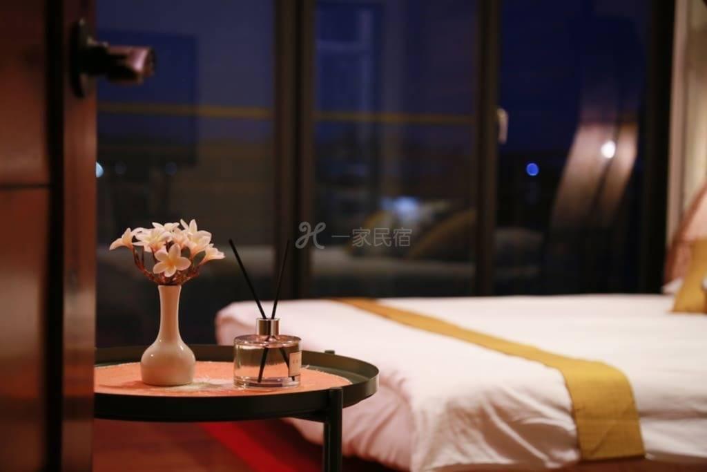 美濃金字山下-月影燭臺