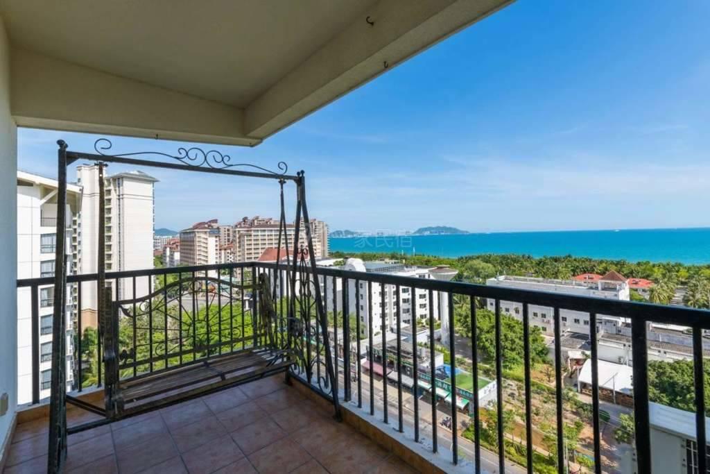 三亚湾一线海景出门步行海边五分钟五星级酒店公寓阳台看海,三天接机