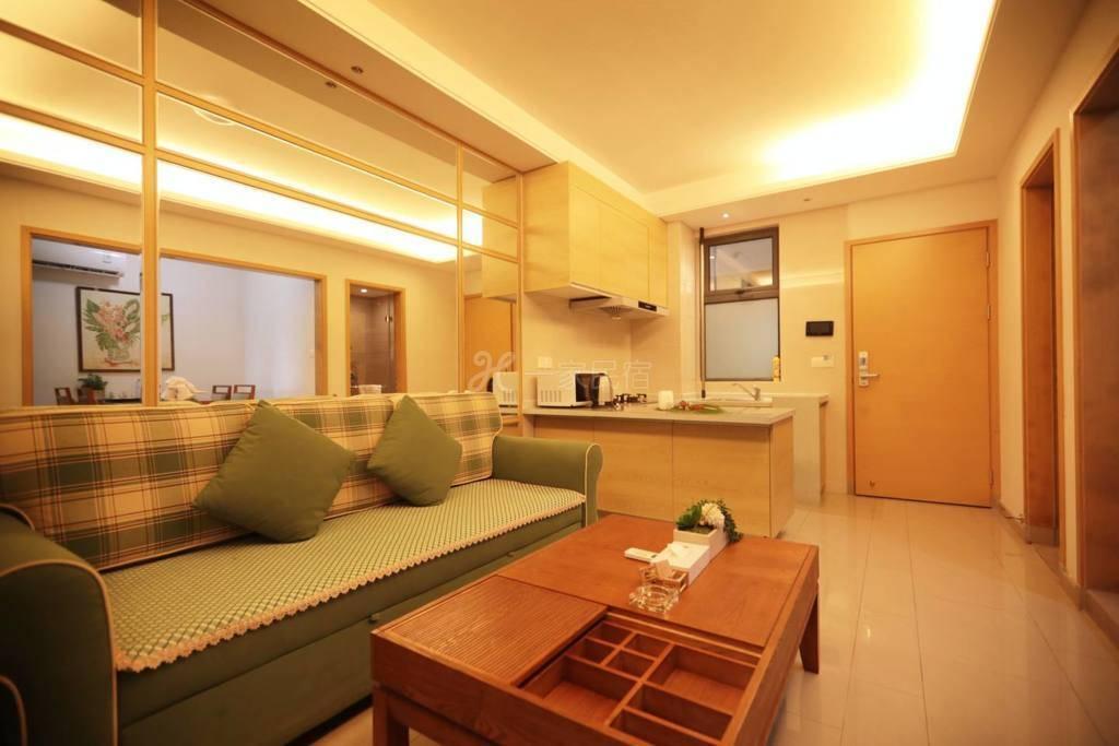 自在旅居公寓-三亚湾凤凰水城舒适园景一室一厅套房