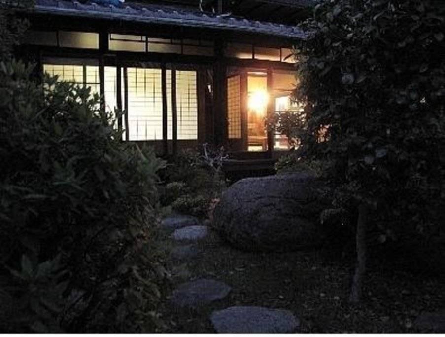 奈良背包客宾馆 传统四人房, 日式床