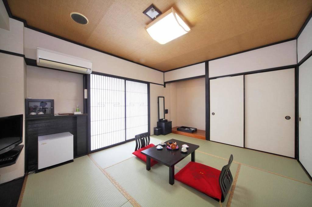 京都夏特莱旅舍 主楼标准準双人床房(双人入住)
