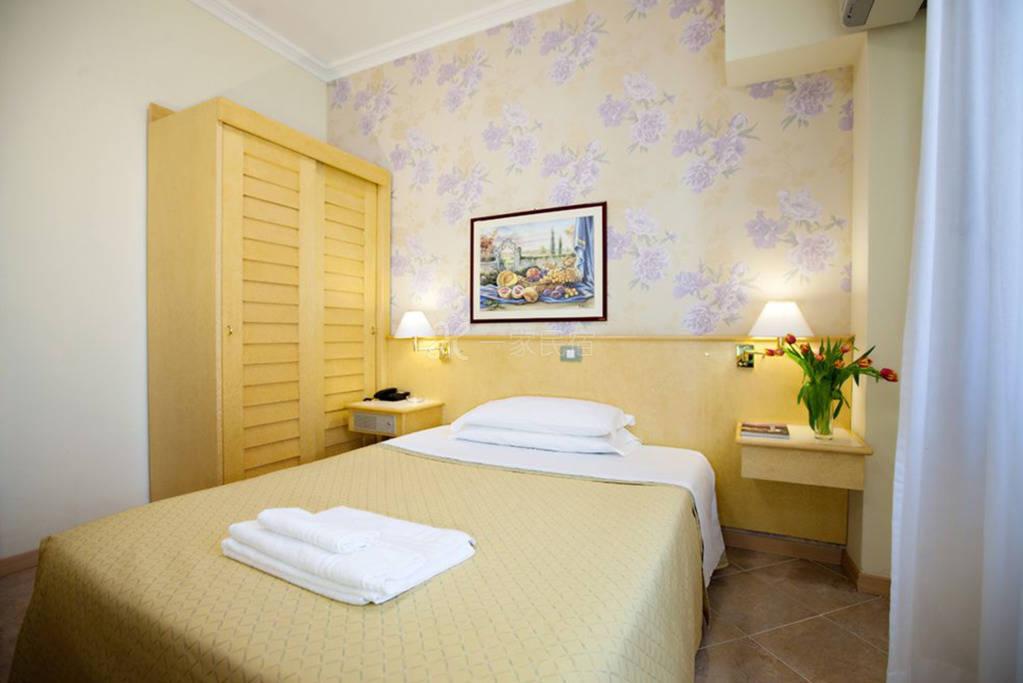 米兰大运河区 Hotel Dei Fiori酒店 大床房#3