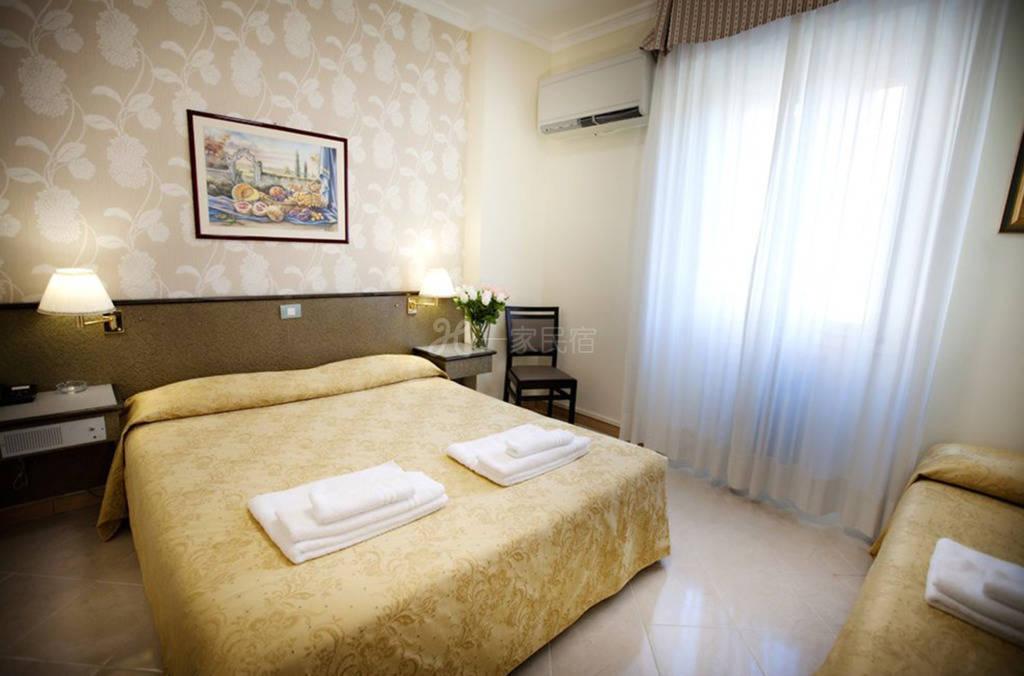 米兰大运河区 Hotel Dei Fiori酒店 大床房#5
