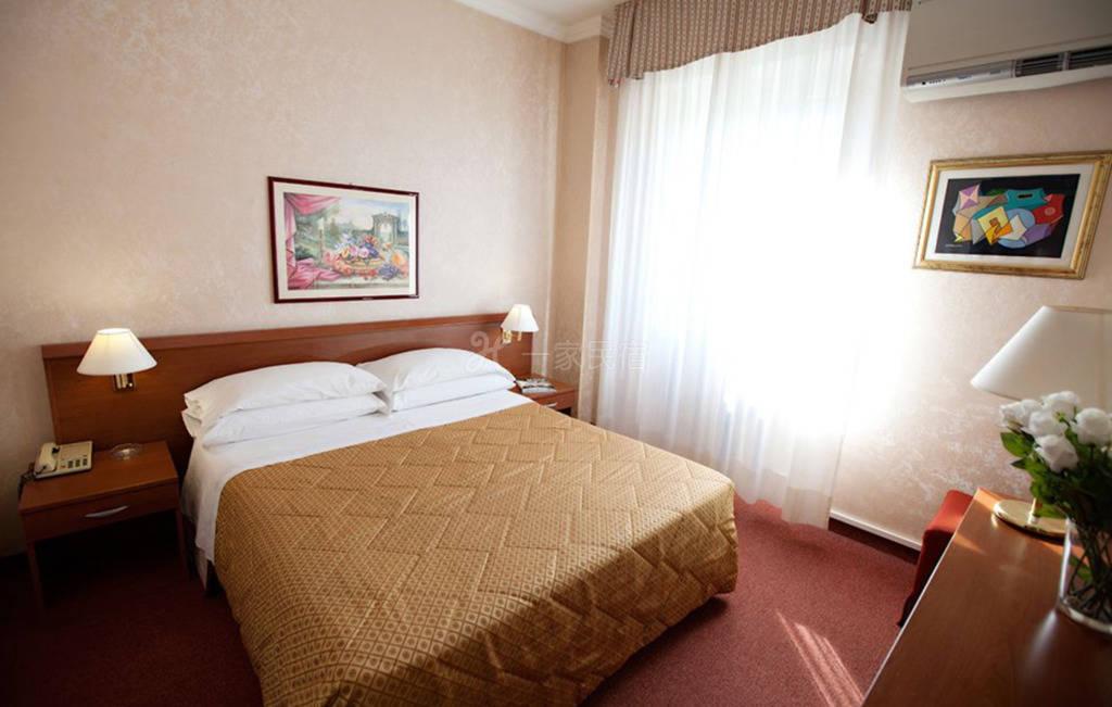 米兰大运河区 Hotel Dei Fiori酒店 大床房#6