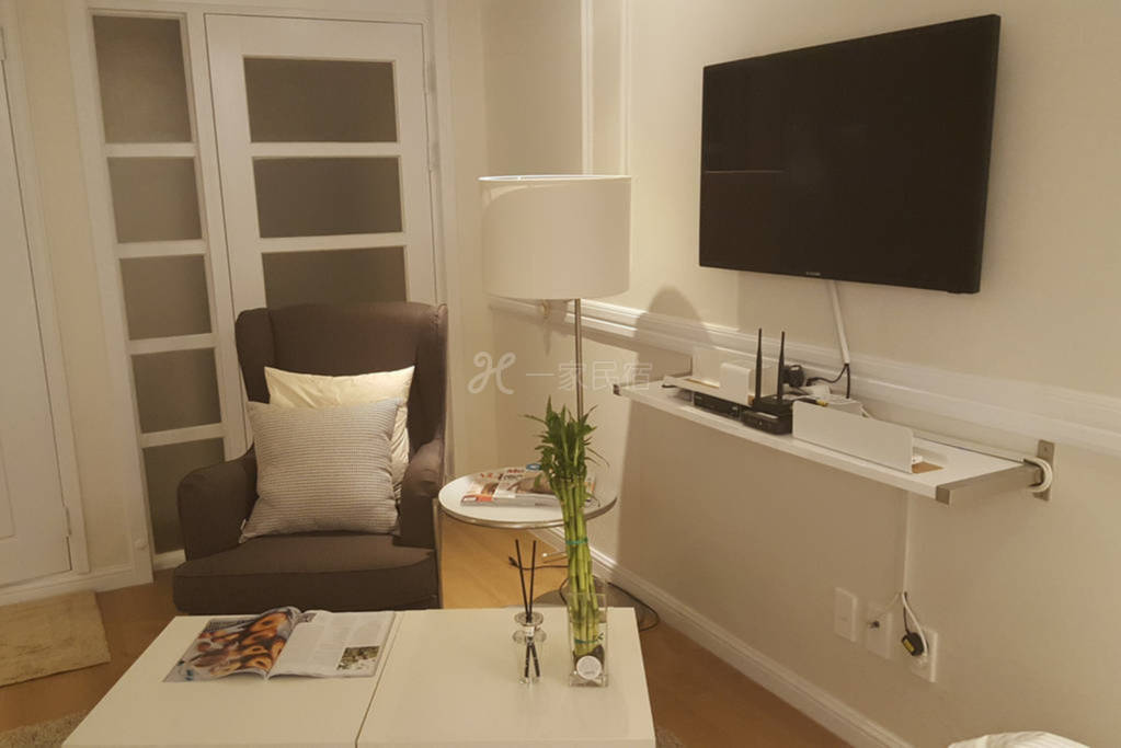 高格调的房子 装修精致 设计美观 交通便利 适合多人居住