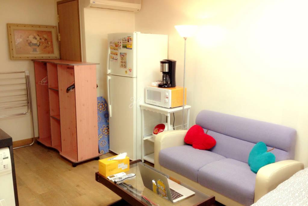 紧邻首尔地铁站 地理位置优越 房间干净宽敞 设备俱全 适合多人居住