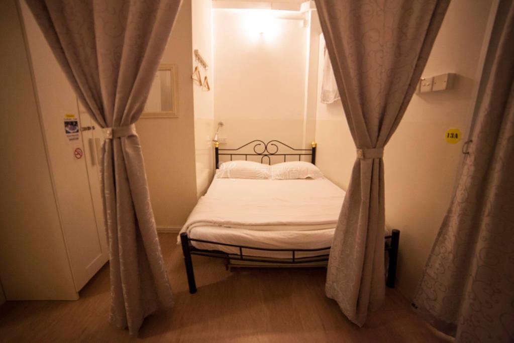 新加坡白阁青年精品旅馆 5人阁楼房