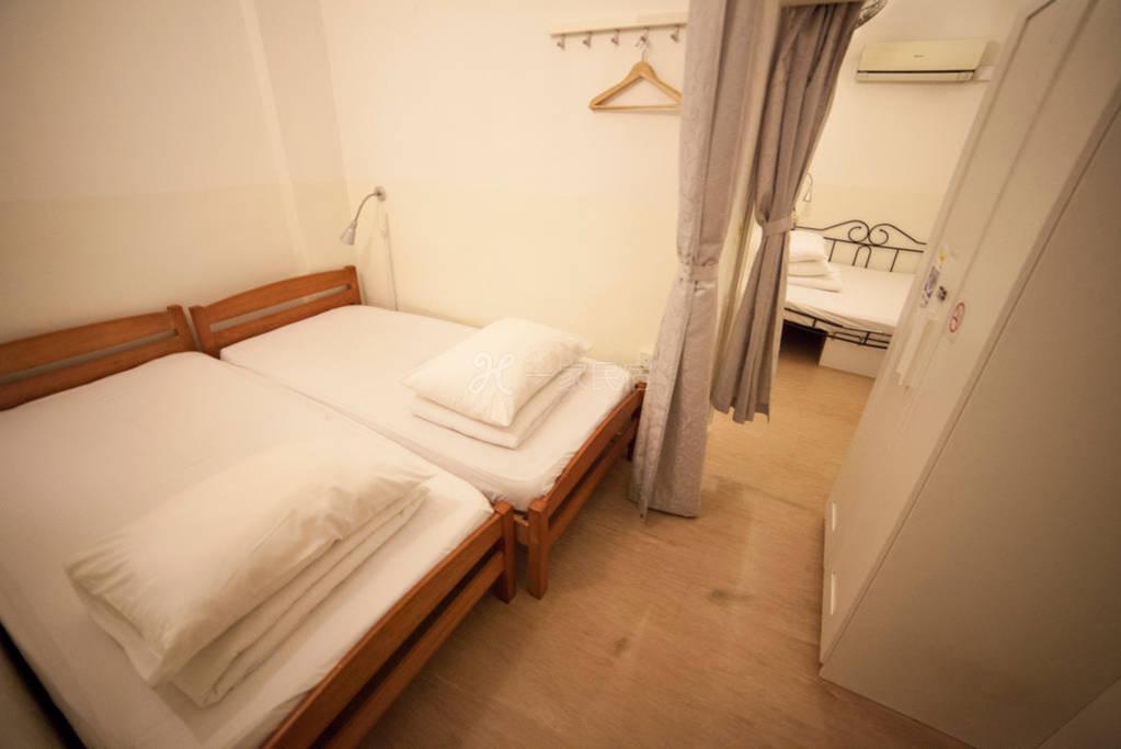 新加坡白阁青年精品旅馆 11-14人阁楼房