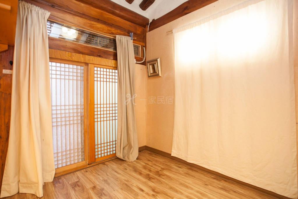 首尔  为小群体准备的泡菜韩屋的空间
