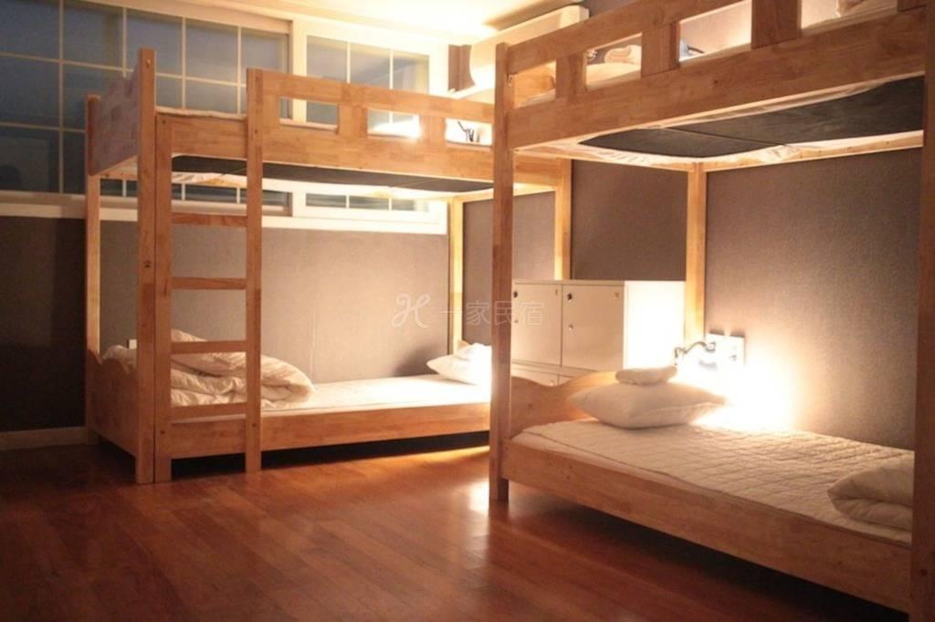 四床私人宿舍(套房)