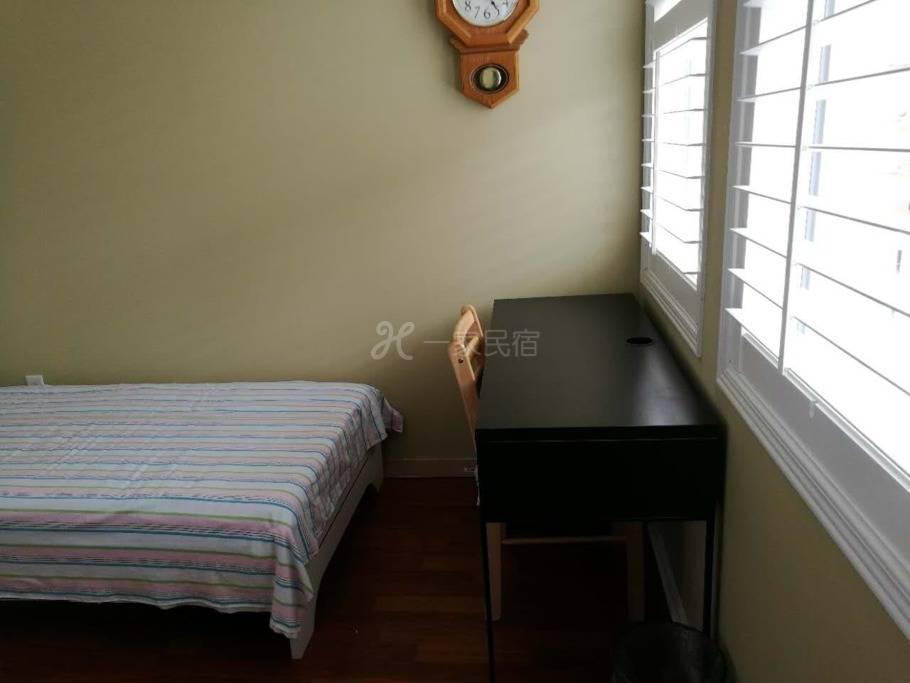 罗伦斯W 房间3