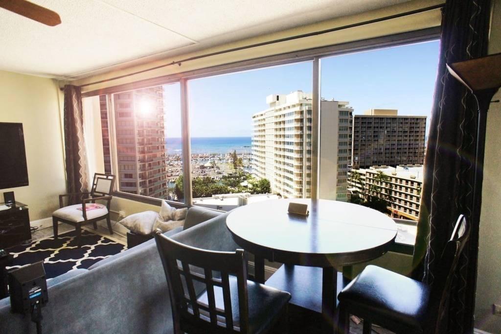夏威夷高级高层公寓山海景观交通方便