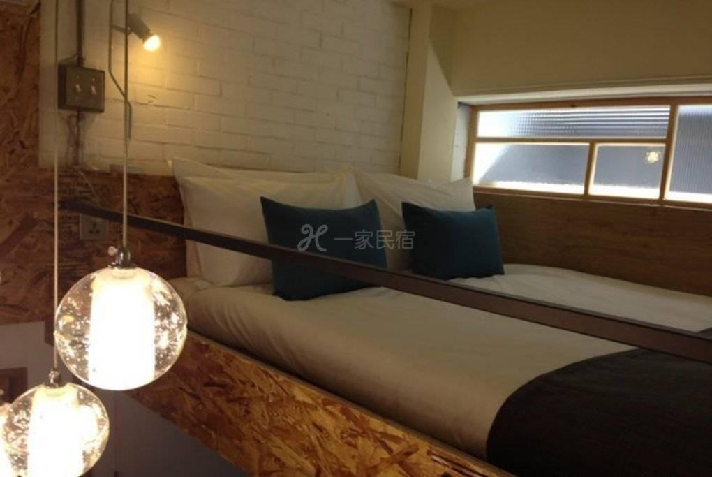 高雄--同居 With Inn Hostel With U 双人套房 (独立卫浴.私人阳台.欧式早餐)