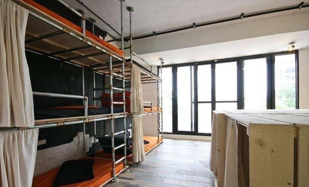南投--perbedhostel 工业风水管上下舖型床位